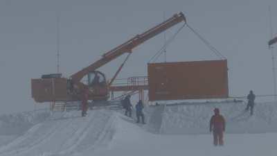 Construction et mise en place d'un abri scientifique et technique, programme SUPERDARN