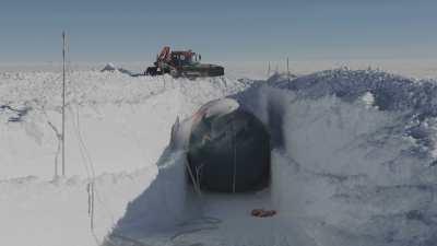 Fabrication d'une cavité de stockage sous la glace