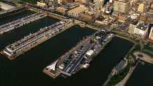 Plans larges du site de la ville, Manhattan, la statue de la Liberté et le port