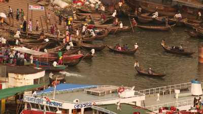 Grands bâtiments de passagers à Port Sadarghat