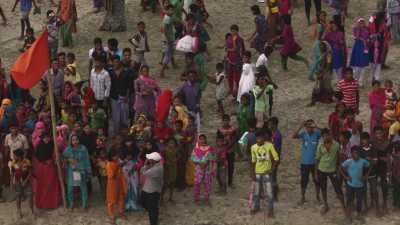 Des habitants près du Friensdhip Hospital