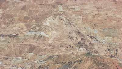 La ville construite à flanc du Cerro Rico de Potosi