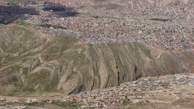 La ville à flanc de montagne