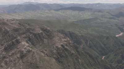 Paysages de montagnes et vallées