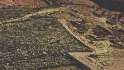 Cimetière et cité minière abandonnée