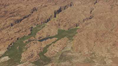 Paysages de rochers arides, vallées encaissées
