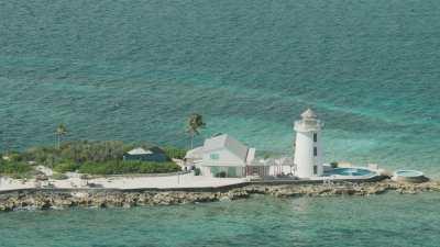 Golf et luxueuses propriétés près de Nassau, phare