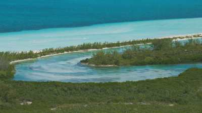Maison sur une île sablonneuse