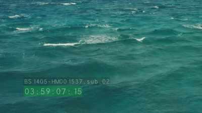 Le vent se lève sur les eaux turquoises