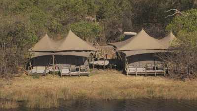 Luxueux hôtel-camp de brousse