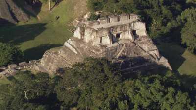 Temple Maya de Xunantunich