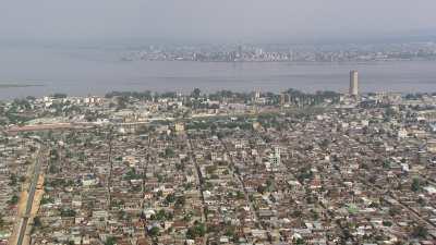 Plans larges de la ville