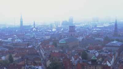 Vue de Copenhague embrumée