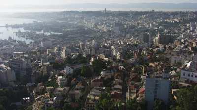 Arrivée sur la ville, tour de la Kasbah vers le mémorial du Martyr