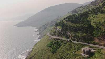 Route le long de la côte verdoyante, Béjaïa