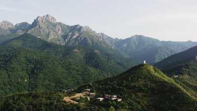 Montagnes, collines et forêts près de Béjaïa