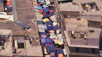 Marché dans une rue d'Oran