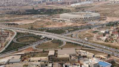 Circulation près du Stade olympique d'Oran