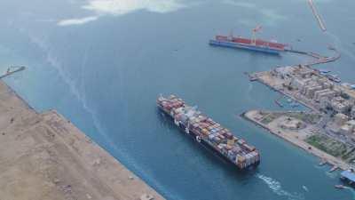 Paquebot sur le Canal de Suez