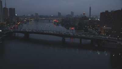 Centre ville la nuit au dessus du Nil