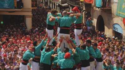 Les Castells, Tours humaines, gros plans