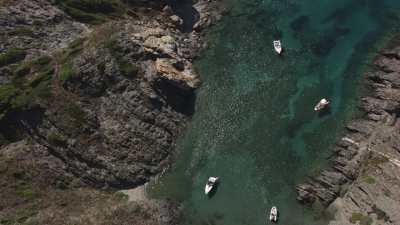 Calanques et bateaux près de Cadaqués