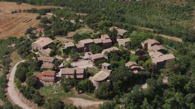 Village sur une colline