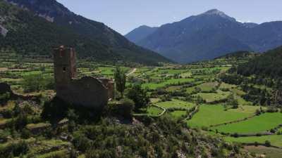Village et ruines du château de Gosol
