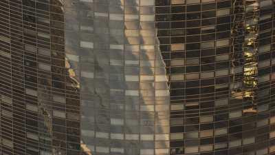 Reflets sur les vitres des tours de la Défense