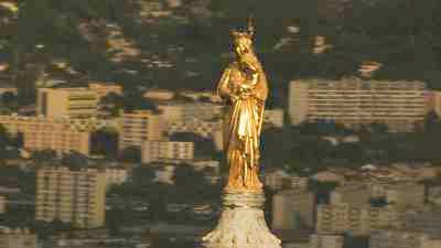 La Vierge à l'enfant de  la basilique Notre-Dame de la Garde