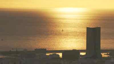 Littoral et paquebots au coucher de soleil