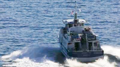 Aviron et bateau de passagers