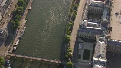 La Seine et les ponts de Paris