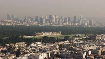 Survol de Boulogne et de la Défense