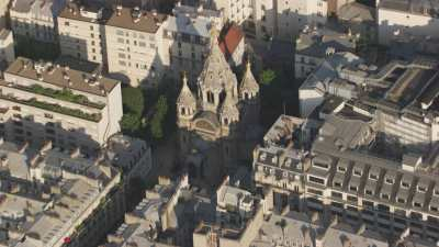 Le Parc Monceau et la cathédrale orthodoxe St Alexandre Nevsky