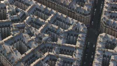 Immeubles résidentiels anciens et quartier typique rue Simart et rue  Sue