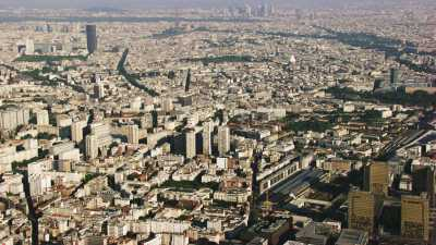 Alignement tour Eiffel, tour Montparnasse et Défense