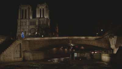 Notre-Dame de Paris vue depuis la Seine