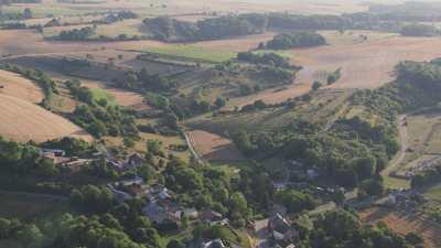 Champs et villages de campagne