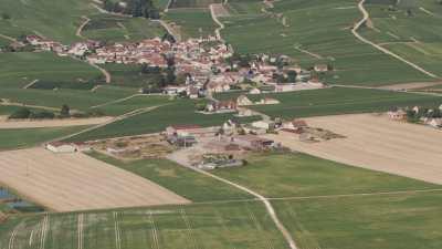 Vergers et village de campagne