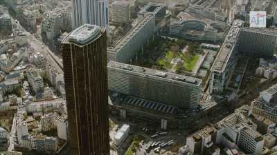 Paris: Le quartier Montparnasse avec la tour et la gare Montparnasse