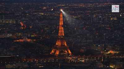 Paris la nuit: Champs Elysées / Arc de Triomphe / Tour Eiffel