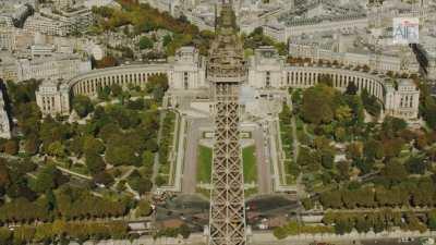 La Tour Eiffel dans le paysage parisien / Le Trocadéro