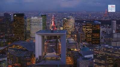 Paris La Défense au crépuscule avec l'Axe Historique  depuis Nanterre jusqu'à Paris