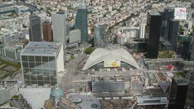 Le quartier de la Défense avec la Grande Arche, le CNIT et l'esplanade