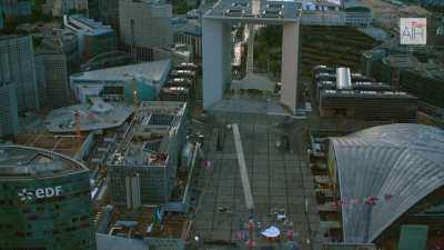 Le quartier de la Défense avec la Grande Arche de la Défense et l'Axe historique