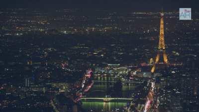 Paris la nuit: Plans larges sur la ville avec la tour Eiffel
