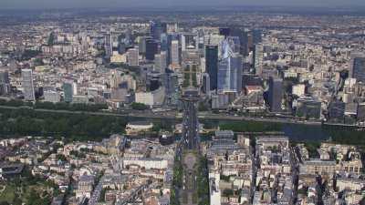 L'Axe Majeur depuis Neuilly-sur-Seine avec le quartier de la Défense jusqu'à Nanterre