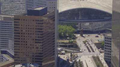 Le quartier de la Défense secteur Arche Nord, quartier du Faubourg de l'Arche avec l'esplanade