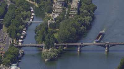 La Seine, de l'Île de la Grande Jatte à Neuilly-sur-Seine jusqu'à l'Île Saint-Denis et Saint-Ouen